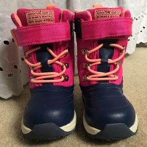 Carters Girls Snow Boots size 8